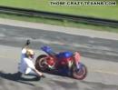 Motorrad Wheelie Crash - Idee: gut, Ausführung: nachbessern