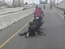 Motorrad Wheelie Crash. Wheelie gezogen, Freundin verloren *lol*