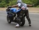 Motorrad Wheelie und Stuntriding: Geht auf die Autobahn spielen!