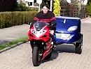 Motorradanhänger Smarty für Superbikes - ideal für Renntrainings, macht was her