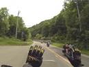 Motorradfahrergruß. und wer hats erfunden? Die Japaner!