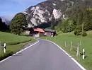 Motorradfahrt durch das Diemtigtal, Berner Oberland, Schweiz