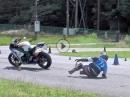Motorradslalom - ohne Fahrer? Crash und die Fireblade veruscht es allein