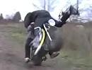 Motorradsprung: NICHT ins Gesicht - Scheiss Timing - Crash