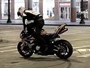 Motorradstunt Aaron Colton (19) in Downtown Chicago - ein riesen Talent!
