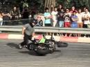 Motorradstunt: Drift, drift, wheelie, drift lalalalalaaaaaaaaa ...