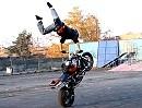 Motorradstunt: Marcin Glowacki: Korzen die Rückker der Ninja - Fett