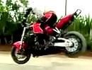Motorradstunt: Stoppie, Sprung, Wheelie, Geil kurz und schmerzloses Wendemanöver