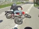 Motorradunfall: Einer bremst, einer pennt und rauscht rein ...