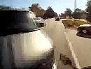 Motorradunfall Linksabbieger. Trottel setzt Blinker und zieht rüber - Crash