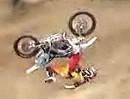 Motorradunfall Paris Rosen Front Flip Abflug - Horror aber er wirds wieder probieren - Wetten!