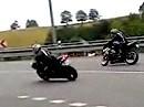 Motorrad Crash: Überholt worden, Angst gekriegt = Kernschrott Leitplanke
