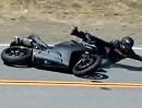 Motorradunfall Snake: Fliegt die Duc die Kurve rein, muss irgendwo ein Fehler sein.