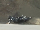 Motorradunfall Snake: Auf den Felsen geschaut und folgerichtig da aufs Maul gefallen.