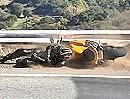 Motorradunfall: Snake: Vorderrad überbremst - warum? Abflug in die Planken - Kratzer im Lack!