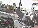 Motorradunfall: Stoppie NUR machen wenn man es kann, sonst gehts aufs Brett