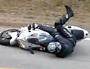 Motorradunfall: Wer in der Snake den Affen macht, meist unsanft auf die Knochen kracht!