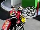 Motorradunfall: Wer sich beim Wheelie auf die Fresse packt, hat Big Mäcs hinten drauf verpackt.
