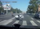 """Motorrad Crash Zebrastreifen. Fußgänger haben """"Vorfahrt"""""""
