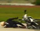 Motorroller Crash in Jeans - der ADAC testet