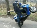 Scooter Crash: ein guter Freund und schlagartiger Grip - Idiot