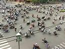 Motorroller Traffic: Ameisenhaufen? In Deutschland=Massenunfall weil keine Ampel