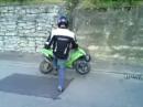 Motorroller Vandale: ... und der Trottel mag keine Roller :-(