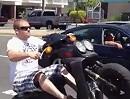 Peinlich! Scooter Wheelie Crash: Erst den Affen gemacht, und dann am Asphalt gelutscht