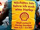 Mutig: Mofafahrer bei den Harley Davidson Days in Hamburg - Geile Idee!
