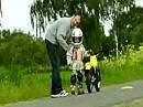 Nele lernt Motorrad fahren - Erste Übungen mit Ihrem neuen Motorrad Suzuki JR 50