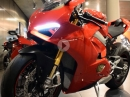 NEW Ducati Panigale V4 S, Bikeporn with Specs and Sound