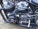 Norton Bobber mit zwei Motoren