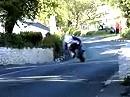 Porno! - die lassens einfach stehen!!! Isle of Man TT 2011 Bottom of Barregarrow