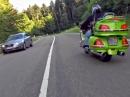 Porsche 911 Turbo vs Yamaha R1 99: Gas ...und weg