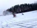 Quad ATV Crash: Schnee Quirl mit finalem Abflug - glatt halt :-)