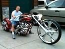 "Redonkulous Custombike mit 30"" Vorderrad."
