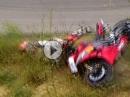 Rennstrecken Crash: Kurve, zu schnell, aufgemacht und anstatt umzulegen Abflug