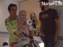 Respekt! Motocross im Krankenhaus - Crosser helfen kranken Kindern - geile Aktion