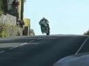 Riesensatz, Lenkerschlagen, Klötenkiller, great Save Dan Kneen TT2011 Zeitlupe anschauen abartig!