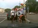 Roadrage: Auto vs Motorrad - 2mal ausgeknockt dann war Ruhe
