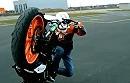 Rok Bagoros Stuntriding mit KTM Duke 125