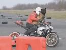 Rolf Circus: Motorrad Drift Hund - bevor der Köter bellt, wird´s Motorrad quer gestellt