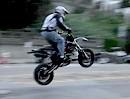 Ryan Moore Big Jump - Mega Sprung mit Supermoto über Straßenkreuzung (San Francisco)