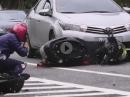 Scooter Horror Crash: Nix für schwache Nerven - Fahrer nahezu unverletzt! Glückwunsch zum Geburtstag