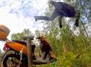 Scooter Crash: Vollgas, Überschlag - Abflug oder Stunt?