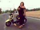 Scooter Dancing - macht fit und schaut grazil und erotisch aus