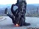 Motorroller Wheelie - da besteht akuter Handlungsbedarf ;-)