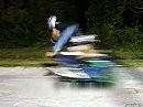 Sehr dämlicher Scooterjump: - Der Plan: Du fährst und ich spring über Dich drüber ...