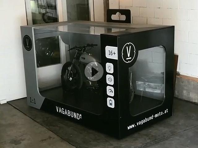 sehr geil motorrad garage mal ganz anders toybox von. Black Bedroom Furniture Sets. Home Design Ideas