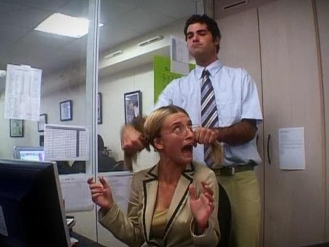 Sexuelle Belstigung: Eine Kellnerin rcht sich an einem